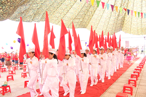 Cờ hồng kỳ trong các dịp lễ quan trọng