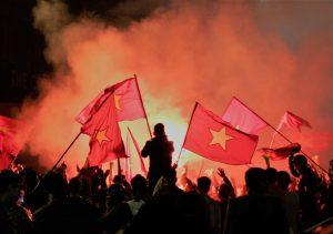 Lá cờ tổ quốc có vai trò quan trọng với mỗi người Việt Nam