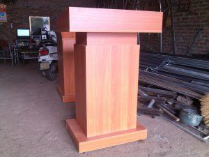 Sản xuất bục phát biểu gỗ công nghiệp