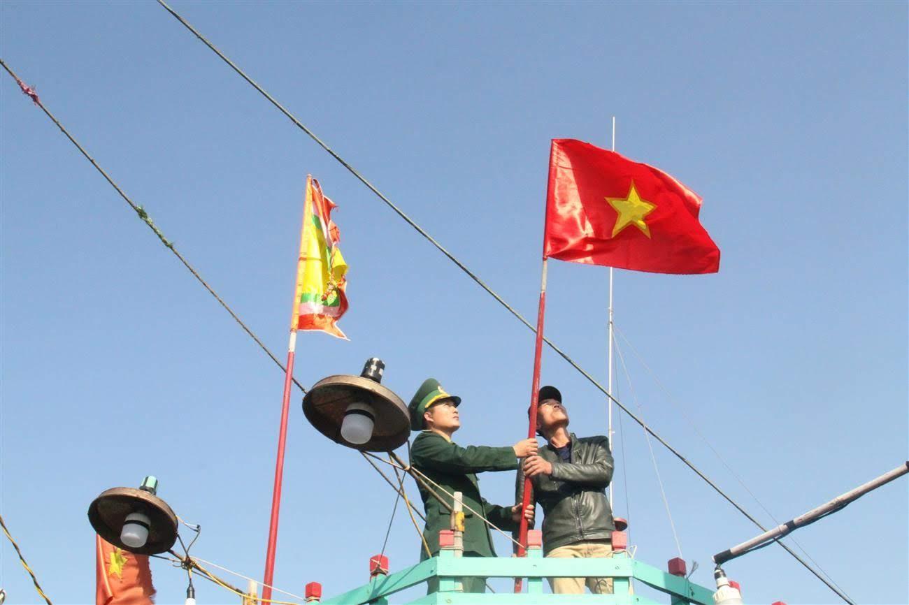Lá cờ tổ quốc có vai trò quan trọng đối với nhân dân Việt Nam