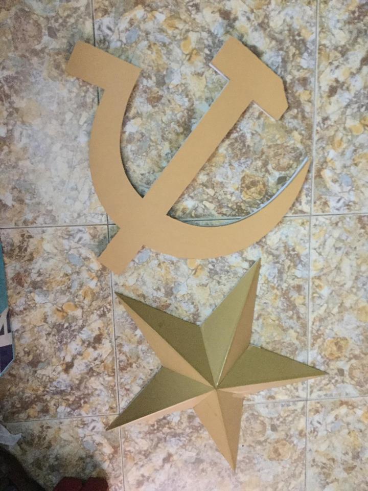 Kích thước chuẩn ngôi sao vàng, búa liềm vàng