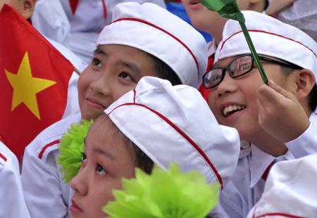 Bán mũ cano viền đỏ đẹp tại Hà Nội