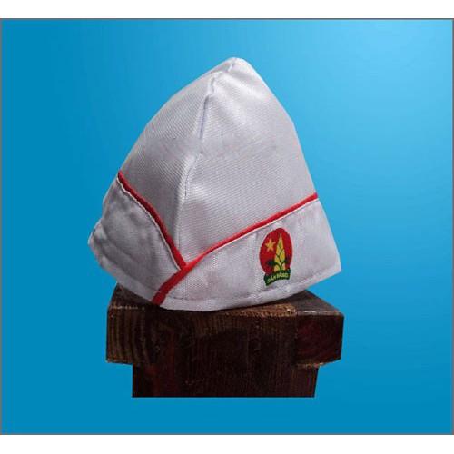Mũ calo màu trắng trong nghi thức Đội