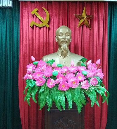 Kích thước hoa sen trang trí bục tượng Bác