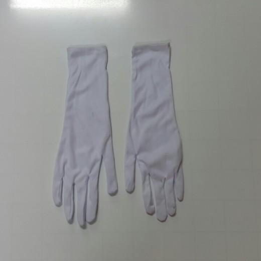 Sự cần thiết có một đôi găng tay nghi thức